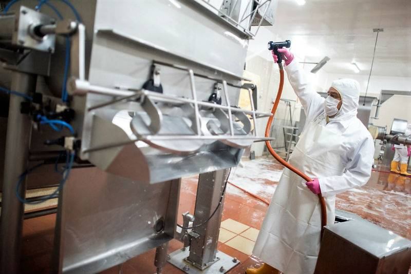 Food Safety Consultants Urge Need to Use FDA-Approved PPE